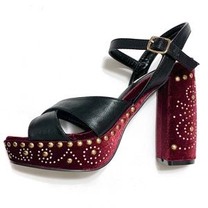 CAPE ROBBIN Burgundy & black platform sandals. 7.5